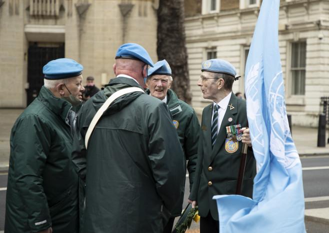 Irish Veterans hold the UN flag